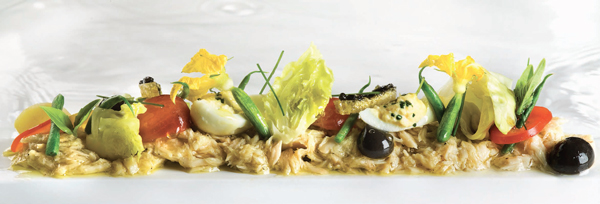 Salada de atum escolar no Le Bernardin.
