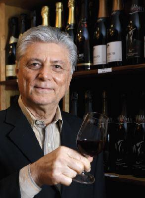 Euclides Penedo Borges é professor e diretor da ABS Rio – Associação Brasileira de Sommeliers