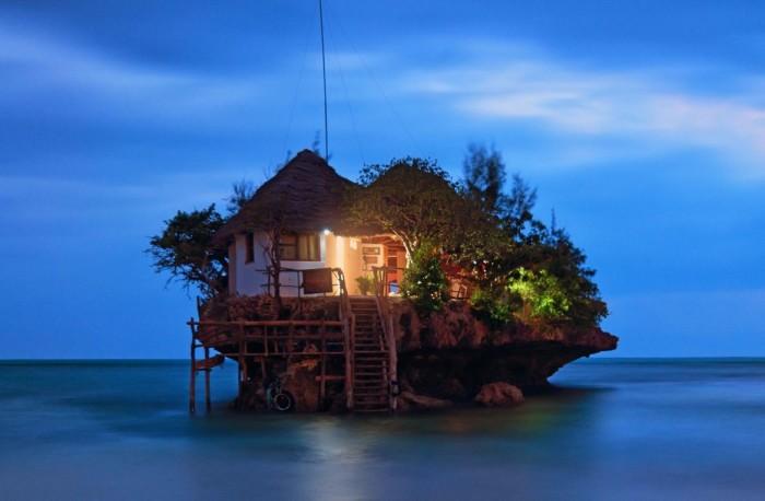 "O incrível ""The Rock Restaurant and bar"" em Zanzibar"