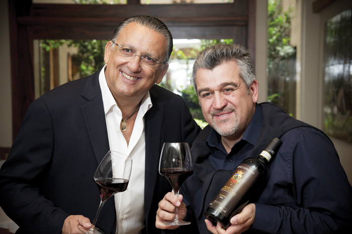 Galvão Bueno e o Enólogo Roberto Cipresso. Foto: divulgação