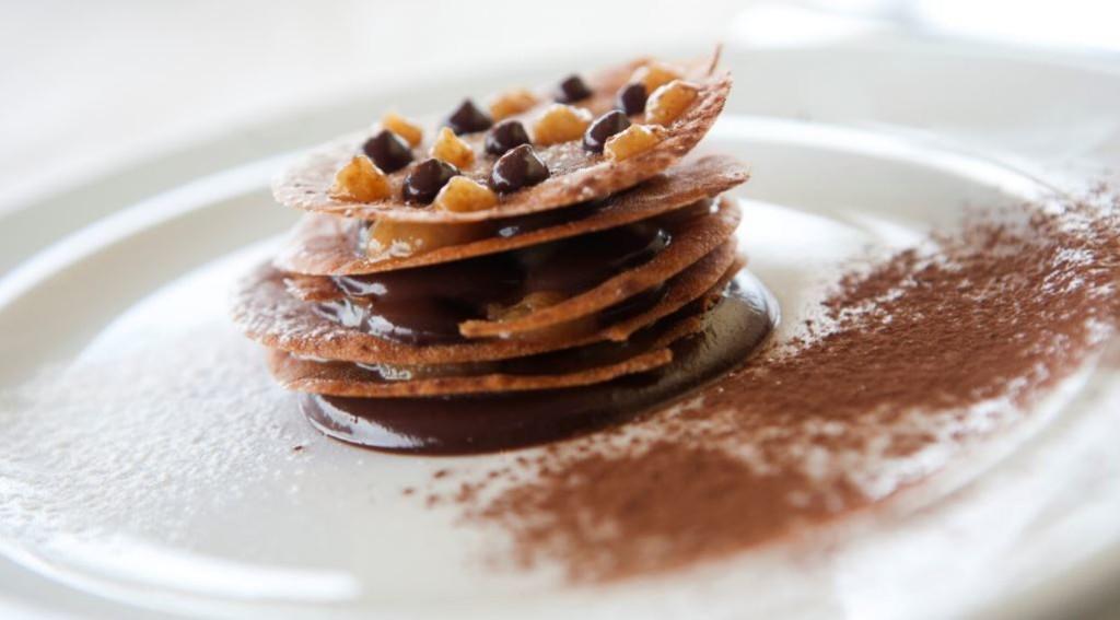 Fondant de chocolate com calda de figo e brandy   Foto: Johnny Mazzilli